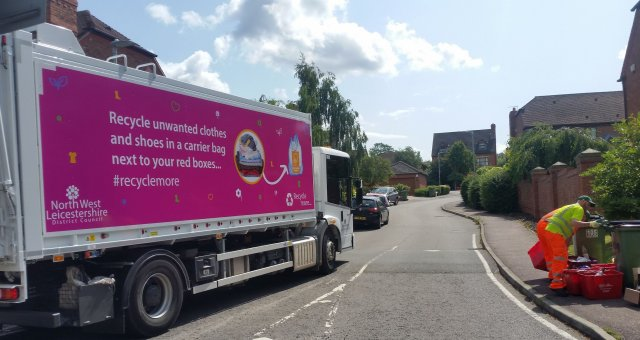 New Messaging Has Been Added to Refuse Collection Vehicles (1)