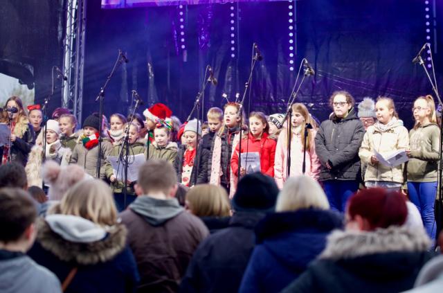 Primary School Choir Performing in 2018