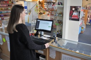 Sophie Bass Checking Online Orders on Sugar and Ice's New EPo S Software
